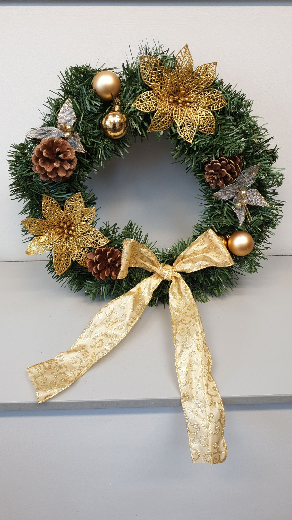 Large_Artificial_Wreath_-_Gold_Poinsettia_resized