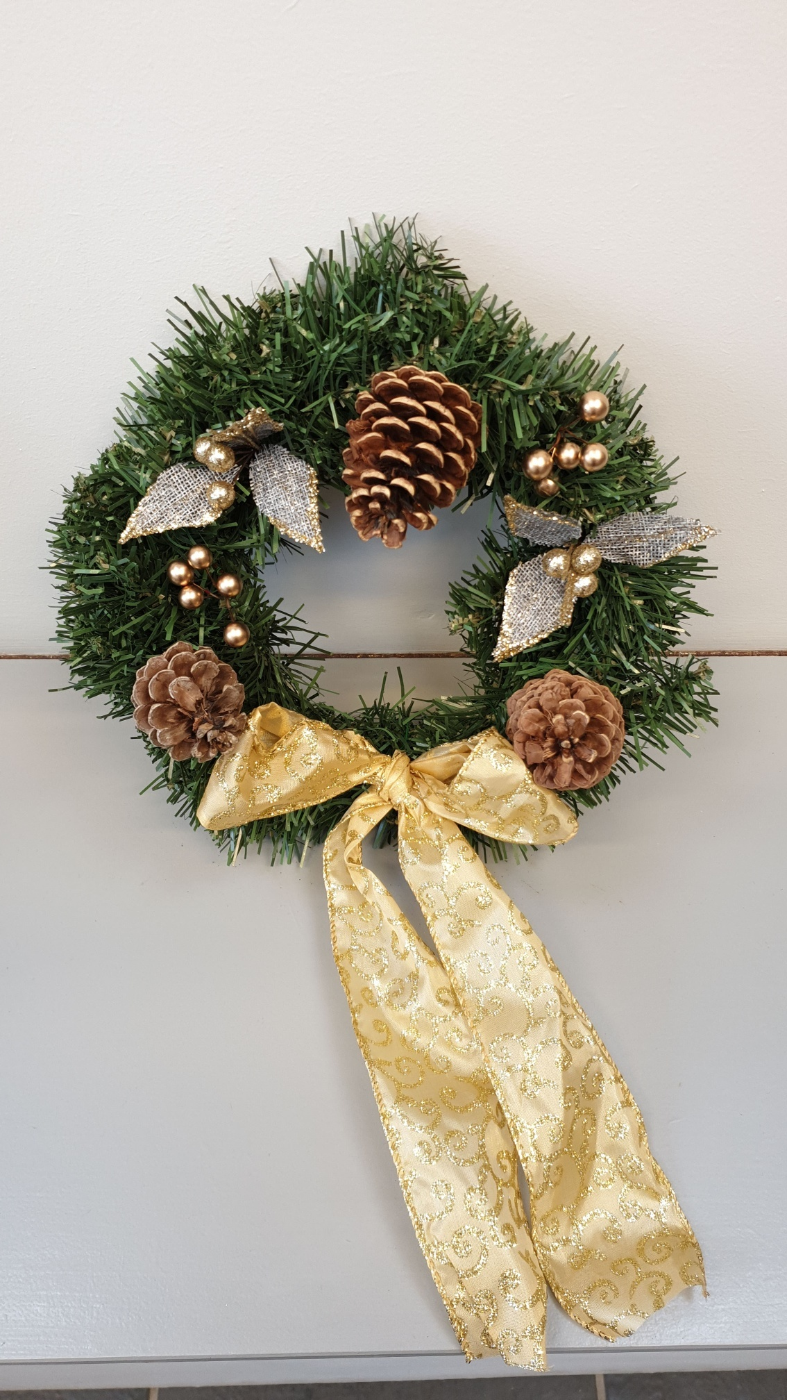 Mini_Artificial_Wreath_-_Pine_cones_resized